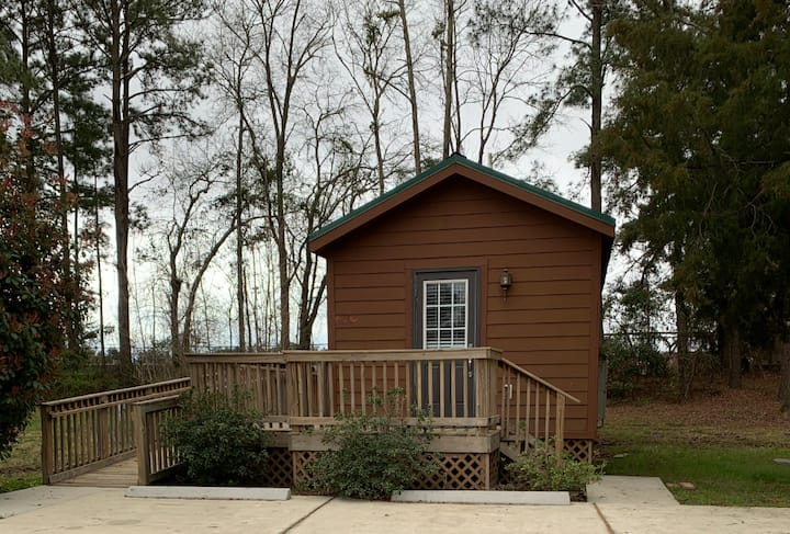 Brand new accessible cottage for 6