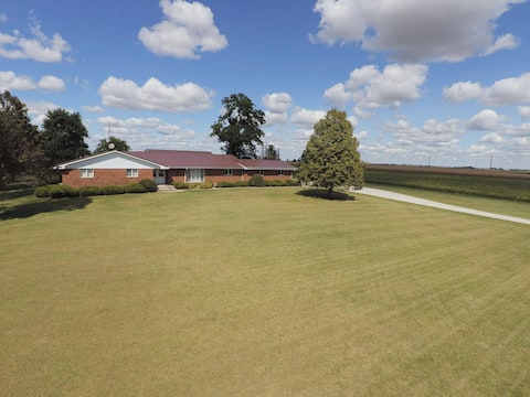 J&E Homestead--spacious home in the country!!