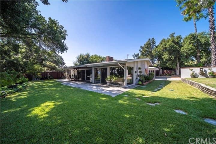 Casa Hazel - Hillside Mid Century Modern Living
