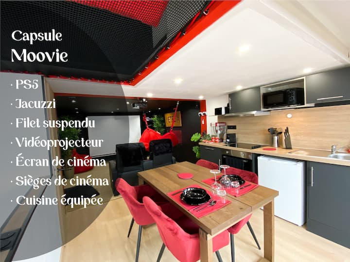 Capsule cinéma with balneo home cinema and playstation 5