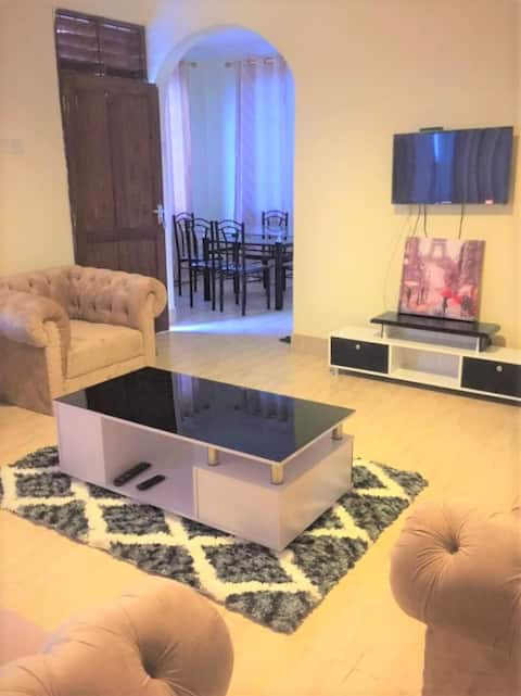 Gorgeous 3BD house fully furnished: Entire Home