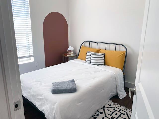 Bedroom #2 -Queen bed