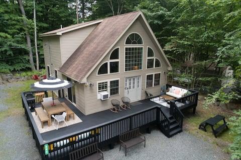 Donovan's Cabin 🌲 The Perfect Poconos Getaway
