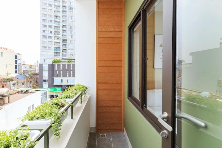 Peaceful Studio w balcony near airport