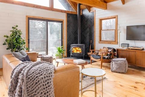NEW!!! Chic + Cozy A-frame Catskills Cabin