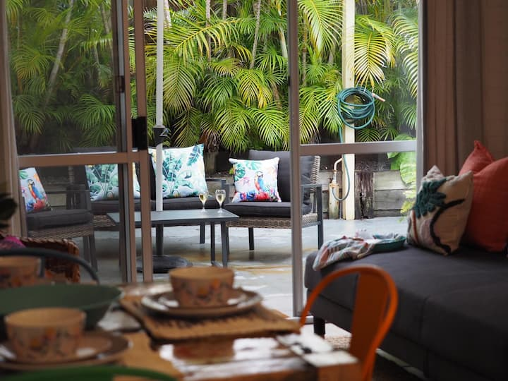 Leafy beach sanctuary in the heart of Noosa Heads
