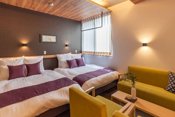 Bedroom(2 double beds).