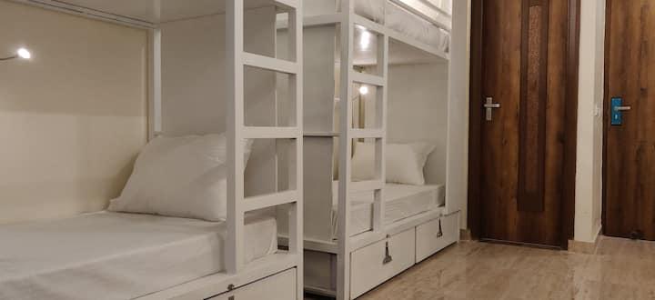 BreakFree BPP Rishikesh AC 6 Bed Mixed Dorm