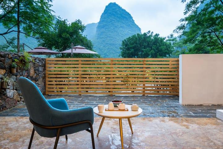 诗莉莉清浅温泉酒店 庭院观景两人大床房   旧县遇龙河   泳池   私享网红温泉   浴缸  
