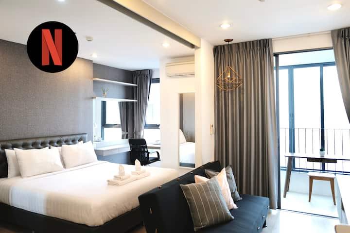 Luxurious WFH♥35FL. 1BR+Infinity pool@Silom-1m MRT