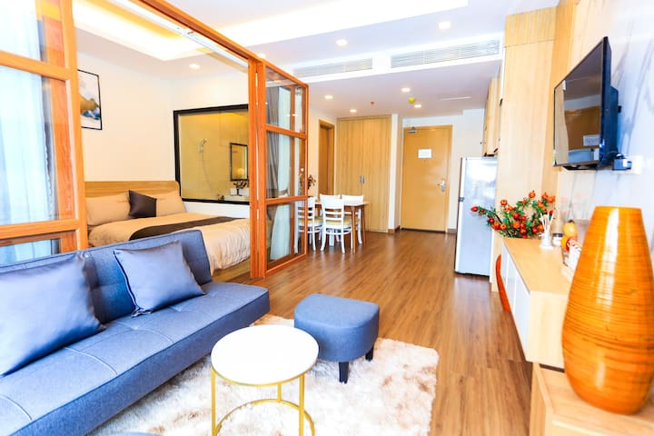 Furniture and fully equipped, washing machine, ironing board, hair dryer are available. FLC SEA TOWER