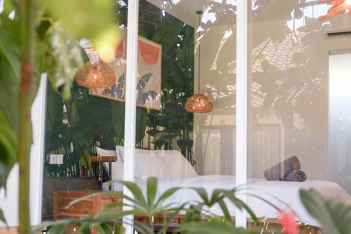 Topical Private Room Canggu 2 by Rios Guest House