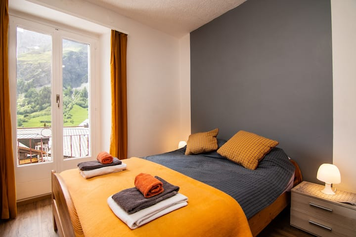 Best priced Hotel rooms only meters from the baths