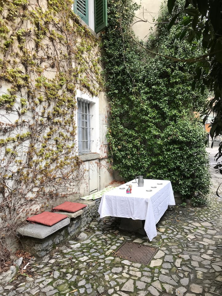 Charming, historic house 10 mins from Varenna