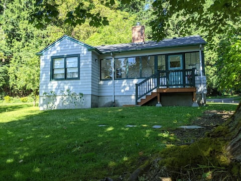 The Little Guest House - Footsteps From Oyster Bay