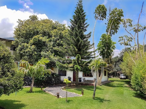 Villa Bossano Ideal for Family and Friends