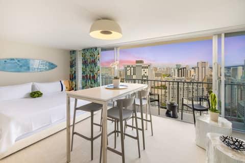 *NEW* Sleek & Sexy SKY Cabana @ Waikiki 29th Floor