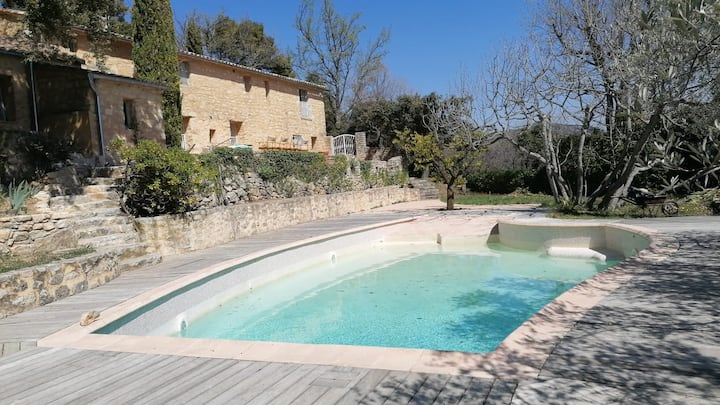 Pool, beautiful view of Mt Ventoux, dream escape.