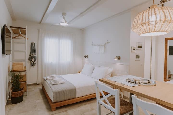 ERIEL - Standard Studio @ old-town Lefkada