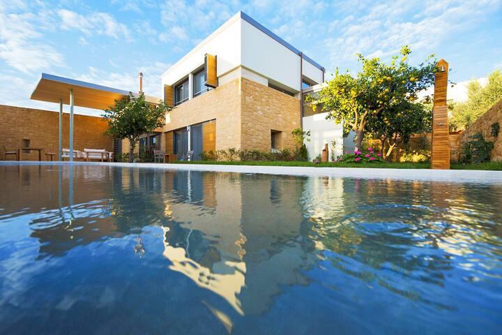 Superior Villa Mandarina-Conte Marino-Heated Pool!