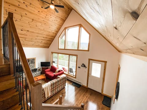★Jay Peak Mountain Chalet★secluded/pool/snowsports
