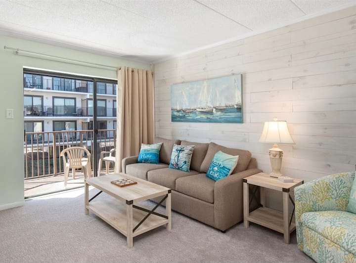 Newly Renovated! Ocean Block & STEPS to the BEACH!