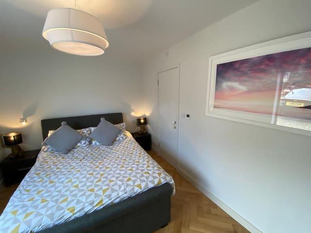 Second bedroom (en-suites)