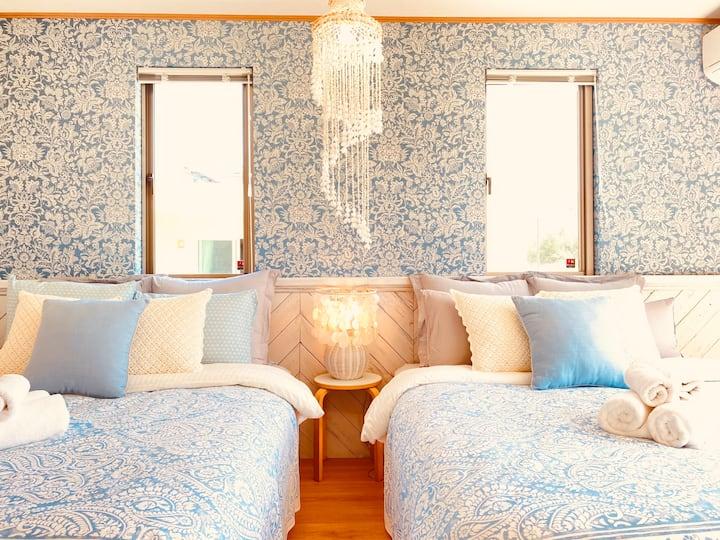 ビーチ徒歩1分|真栄田岬まで車5分|新築|3 bed rooms 6 beds|貸切別荘