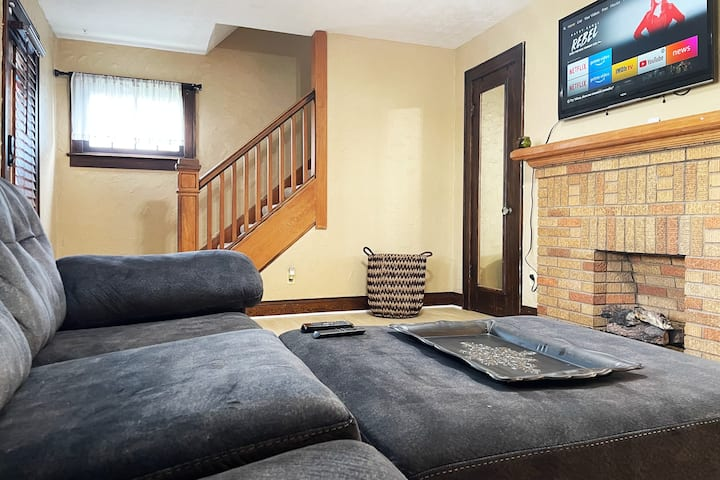 ♥ Complete private home ♥ Sleeps 6 ♥ 10min→ALL CMH