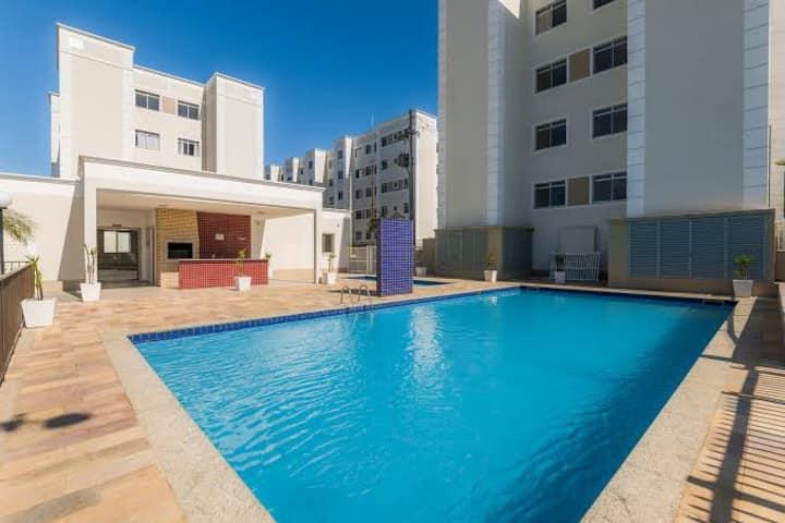 Apartamento DIY com piscina!
