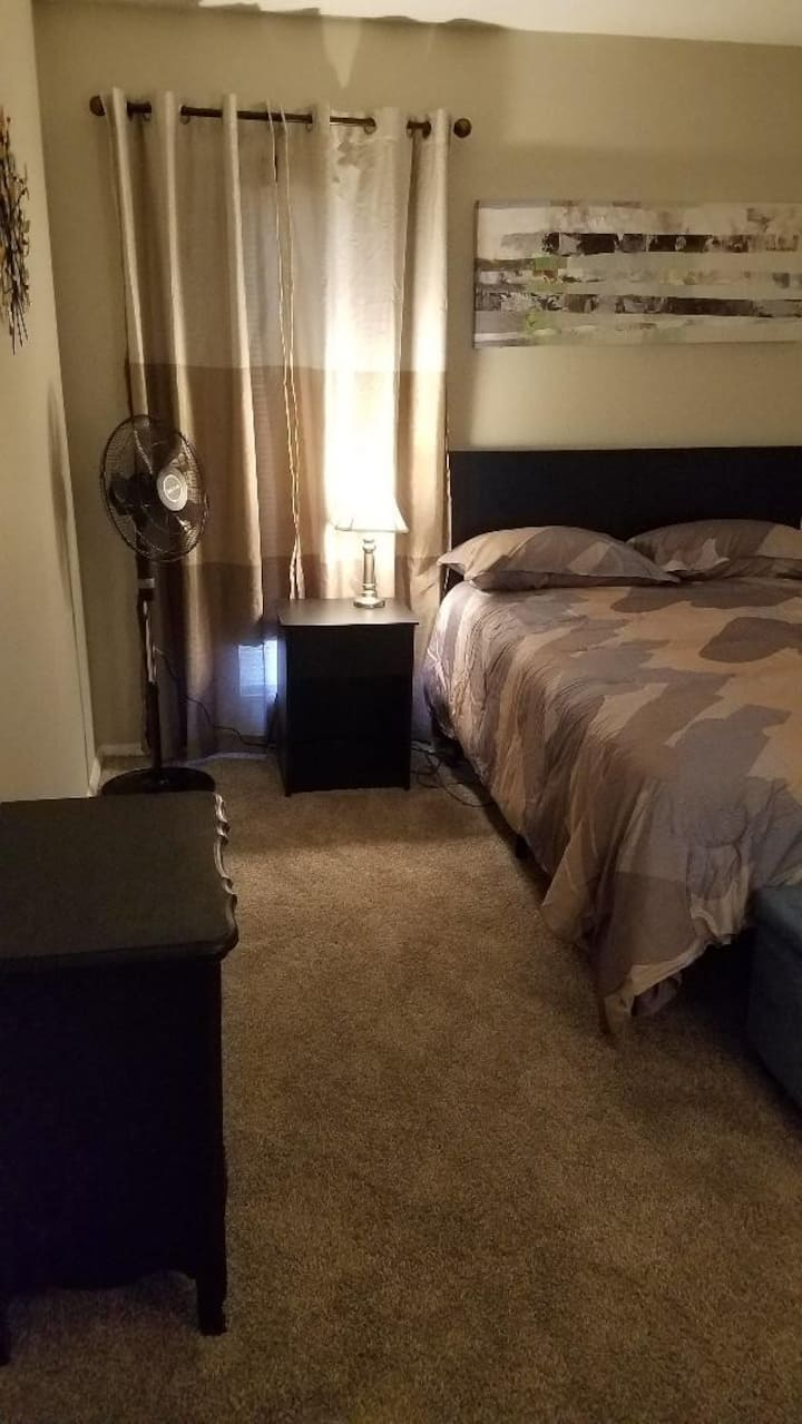 South Charlotte room for rent
