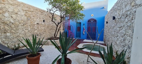Casa Nicté, stay in an 18th century house
