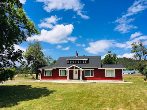 Beautiful Large Home on 1.23 acres