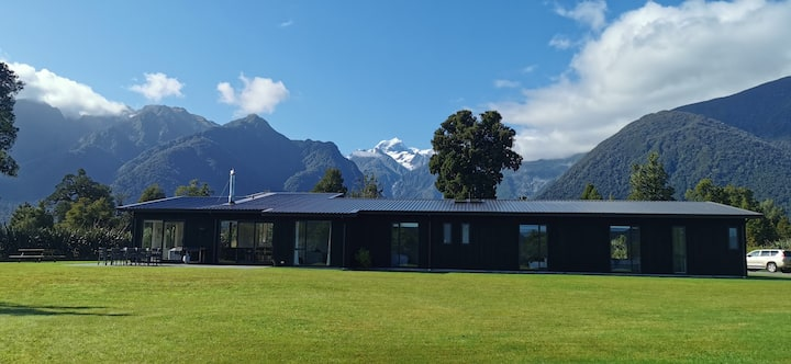 Fox Glacier Home with stunning views
