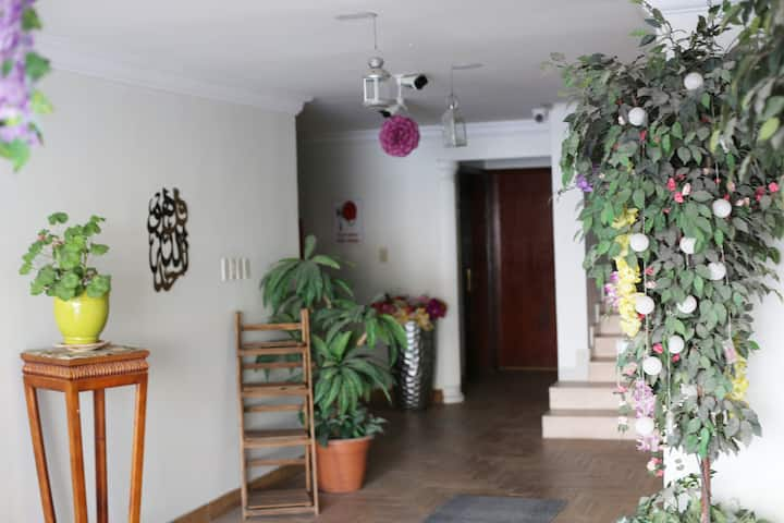 Cozy Apartment Close to Al Rashid Mall