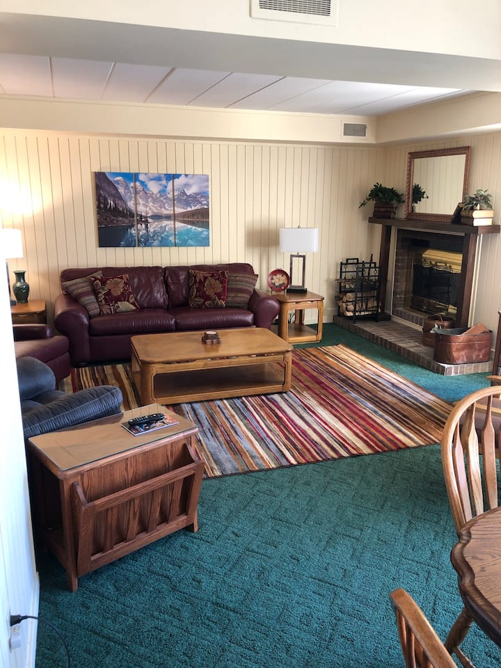2 bedroom 2 bath located next to the 8th fairway