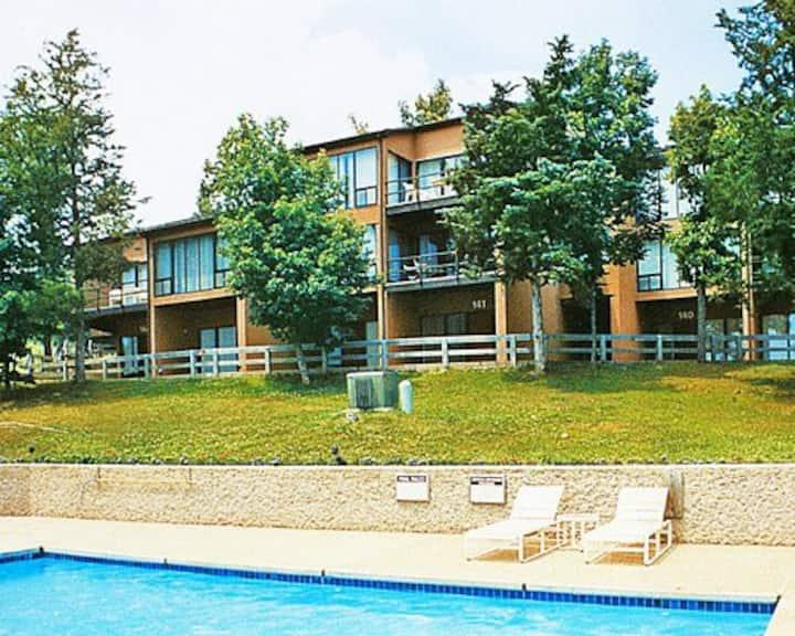 *Treetop Pines Condominium @ Four Seasons* 2B