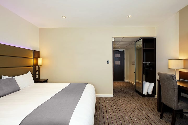 Fortune Hotel - Accessible Room