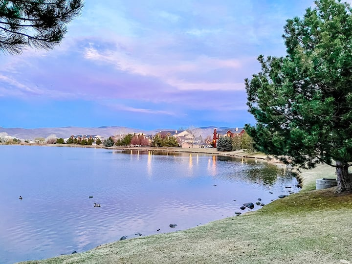 Tranquil Waterfront Condo! Close to everything!