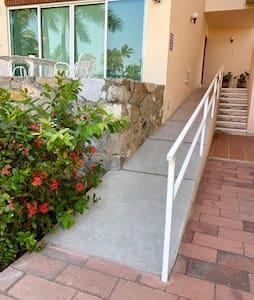 Rampa de acceso a la Villa