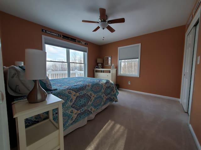 Guest Bedroom #2 - 2nd Floor - Queen Bed - MOUNTAIN VIEWS!