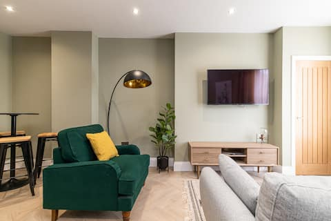 Brand new! ★ High-spec luxury 1 bed apartment