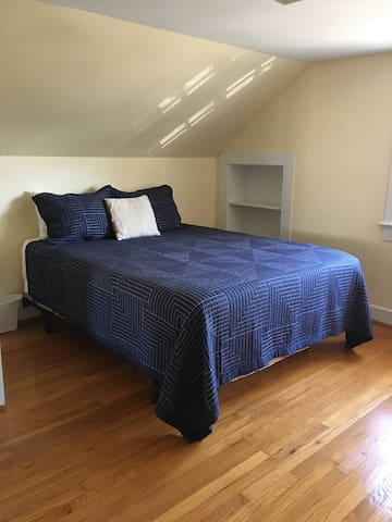 Queen Bed #2 - 2nd Floor