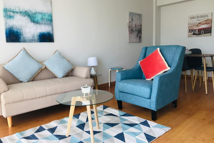 Spacious Apartment very close to the airport 20min