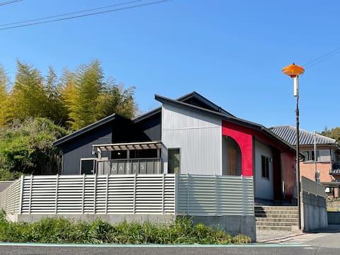 淡路島最大級の広さ☆BBQ・貸切・屋根付テラス・駐車場・ICから車で2分で静か・チェックアウト12時