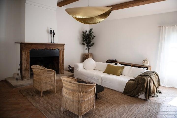 Maison Mastrorelli, Bastide authentique et design