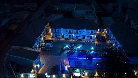 Ekulu Apartments - Luxurious Service Holiday Homes