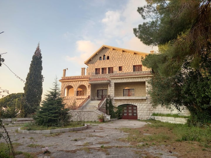 Villa in Ghazir 4 bedrooms, big terrace + sea view