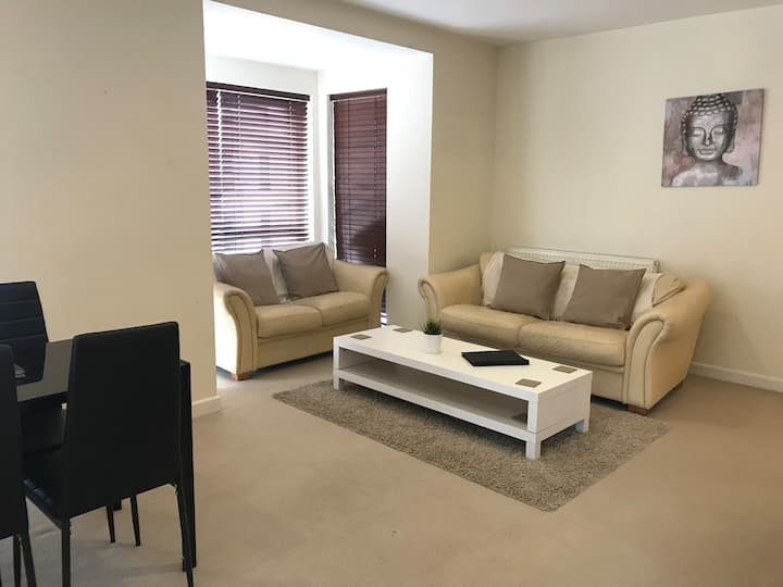 Lovely Apartment, Parking, Double Or Single Beds
