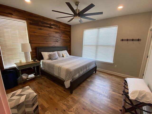 2nd main level king bedroom with en suite bath.